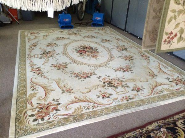 czyszczenie dywanów szorowarką walcową